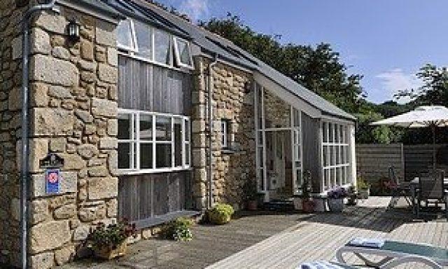 Teania Cottage
