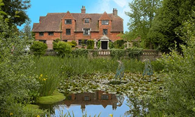 Pekes Oast House & Cottages